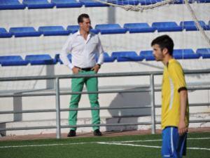 José Alberto Frías observa el partido desde la grada | María Herrador