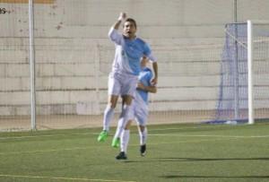 Bermúdez celebra un gol con el Villacarrillo | FB