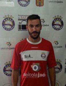 Montes, el día de su firma la temporada pasada | Baeza CF
