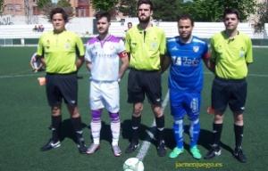 Capitanes del Jaén y Linares con Delgado Ruiz y sus asistentes | www.jaenenjuego.es/