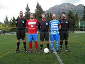 Garrido y Zubi con los arbitros en el  Cazorla - Baeza | Blog Cazorla