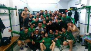 La plantilla celebra la clasificación para la Copa | Atlético Mancha Real