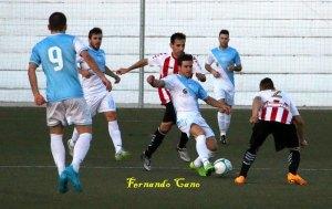 Juan Carlos (en un partido anterior) fue de los más destacados ante el Navas | Fernando Cano