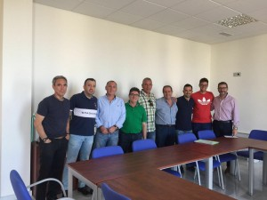 Representantes de los clubs junto a Ildefonso Ruiz y Rafa Ortega | FJF