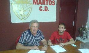 Romero estampa su firma | Martos CD