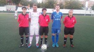 Capitanes y trío arbitral del partido | CD Villanueva