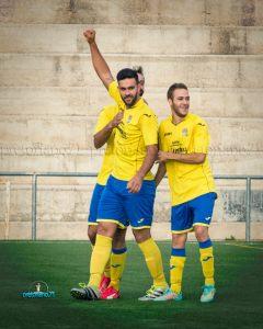 Juanjo celebra un tanto junto a Pichi | Manuel Zapata